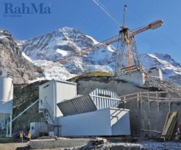 دستگاه مخلوط سازی بتن لیبهر در ارتفاع 2340 متری در سوئیس عملیات خود را انجام می دهد